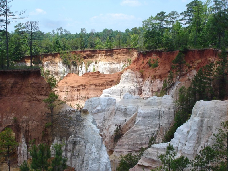 "Everything to know about Georgia's ""Little Grand Canyon"""
