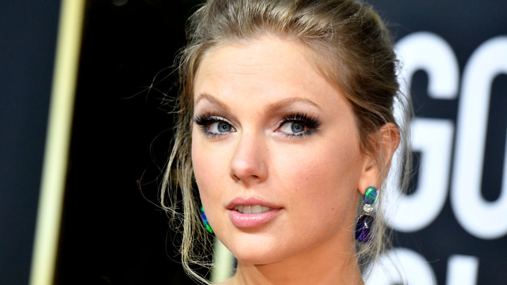 Taylor Swift donates $1 million to Tennessee tornado relief