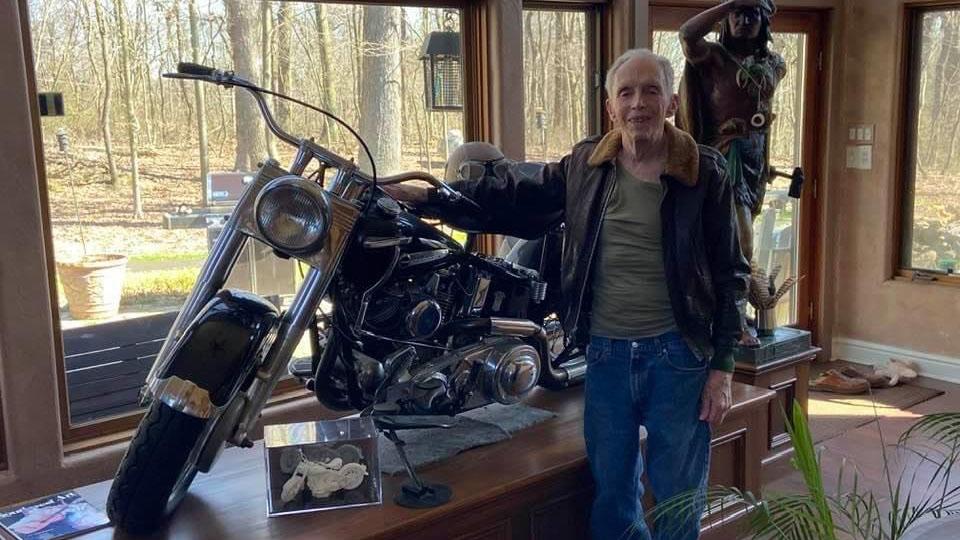 93-year-old WWII veteran not letting coronavirus slow him down